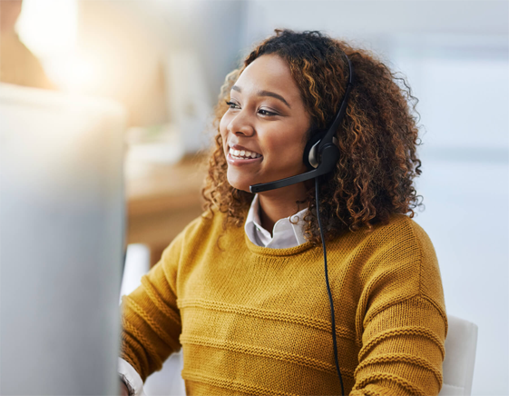 Contact center agent with headset