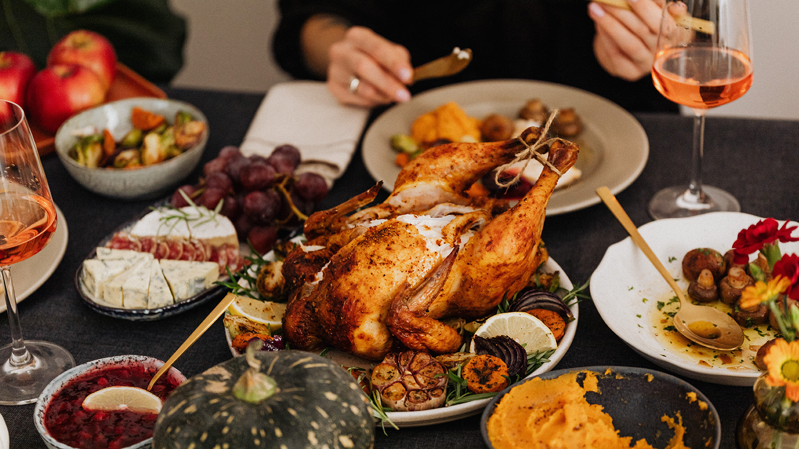 5 ways you can give thanks for the frontline this Thanksgiving | Axonify